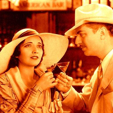 filmscene uit One Way Passage (1932) met cocktail - vierkant
