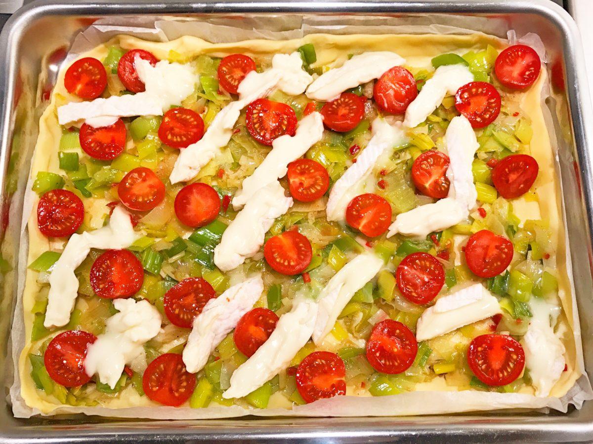 quiche met tomaat en Camembert met Crémant d'Alsace