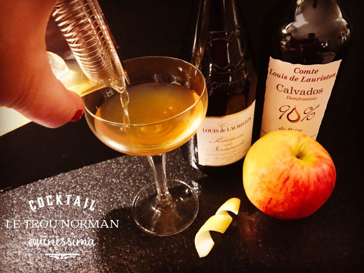 Cocktail Le Trou Normand met Calvados en Pommeau