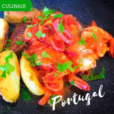Portugese garnalen met ui en tomaat