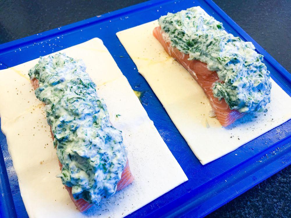 zalm-spinaziepakketjes met dilleroom op Deense wijze