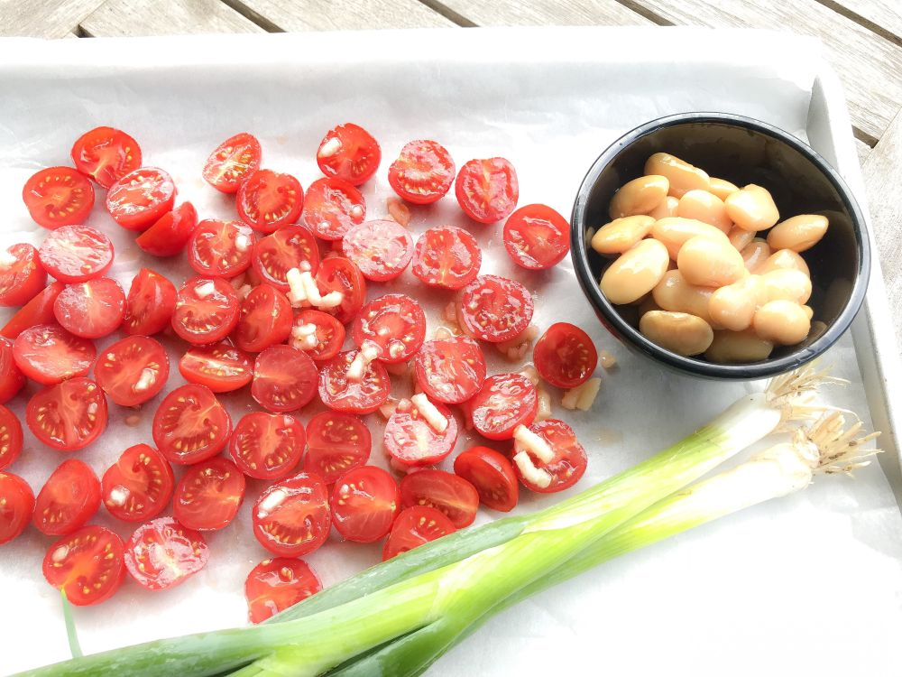 ingrediënten Griekse bonen-tomatensalade