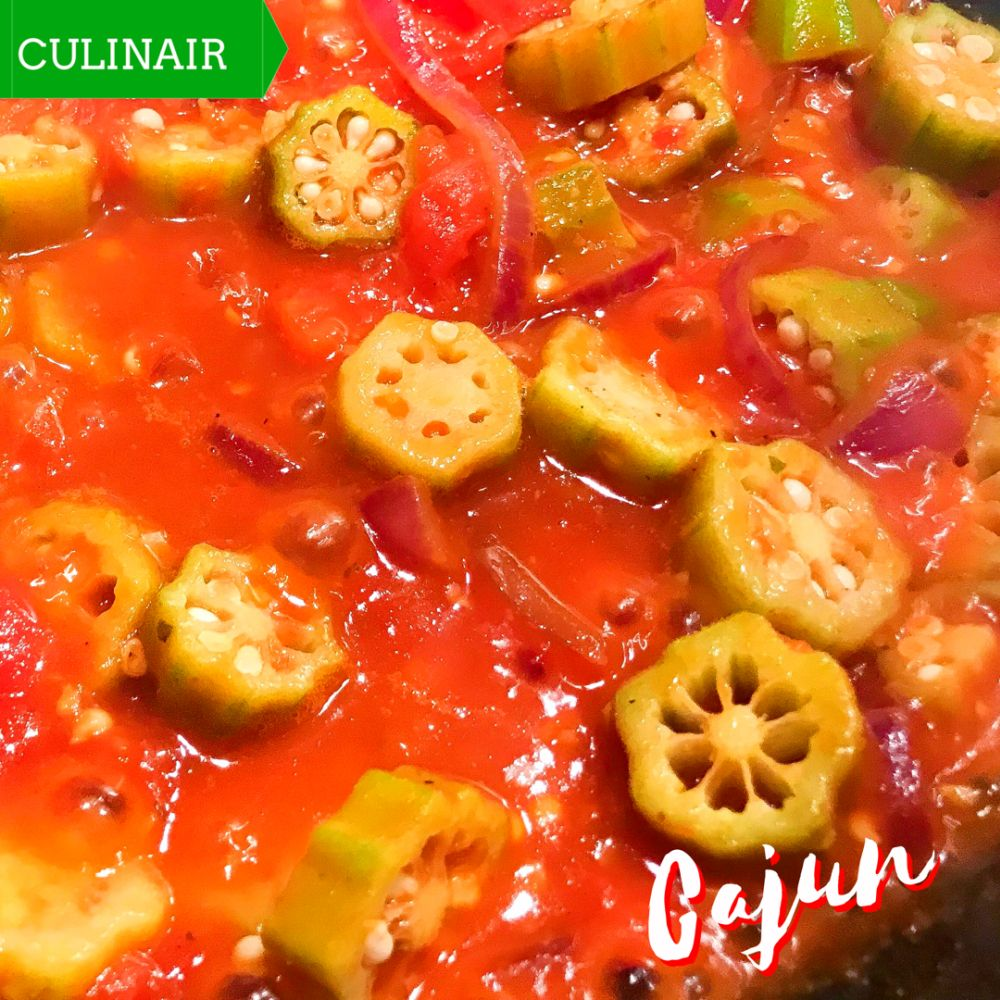 okra met tomaat