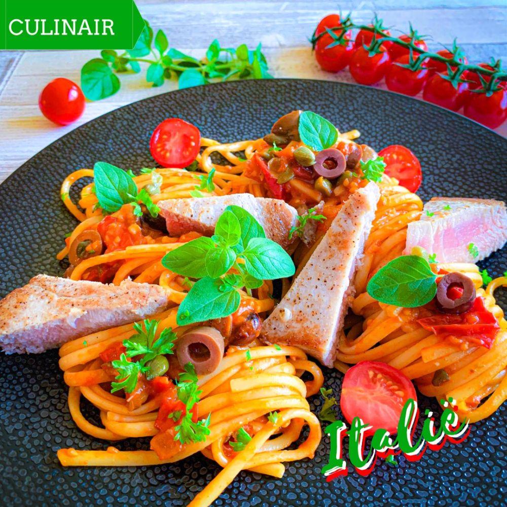 Pasta alla puttanesca met verse tonijn
