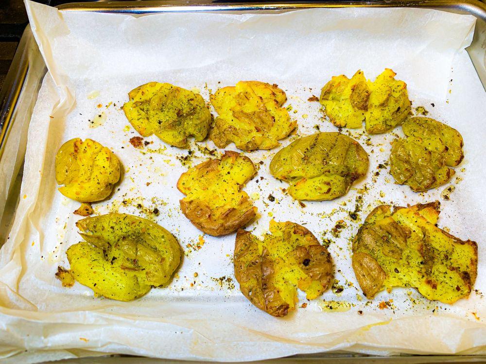 crispy smashed potatoes - knapperige krieltjes uit de oven