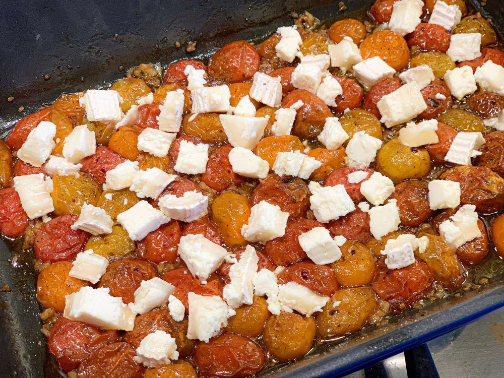 tomaat en geitenkaas voor tarte tatin