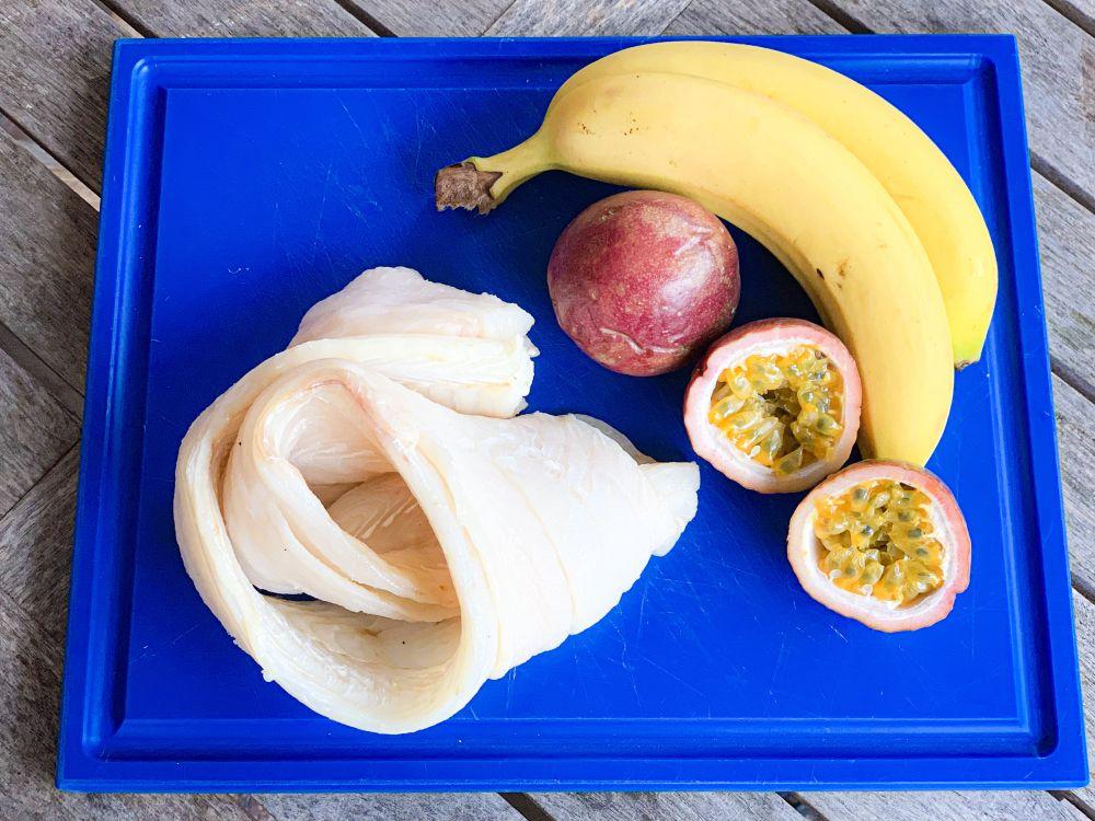 ingrediënten degenvis met banaan en passievruchten