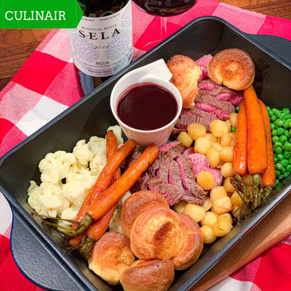 Yorkshire Pudding met Sunday Roast en rode wijnsaus