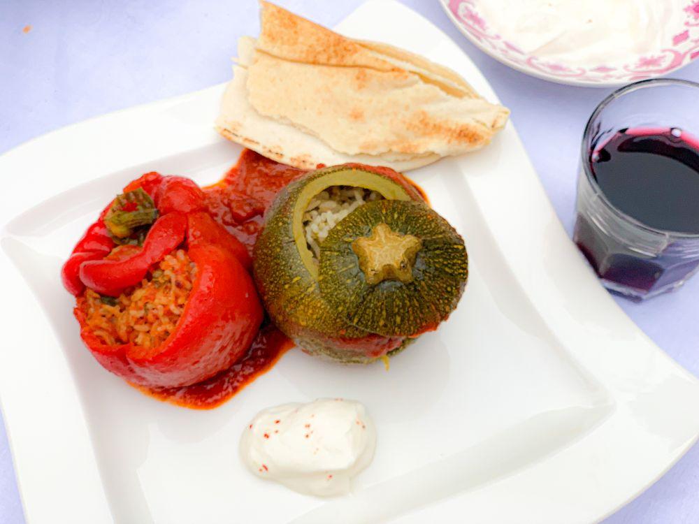 Armeense groentendolmas met yoghurt