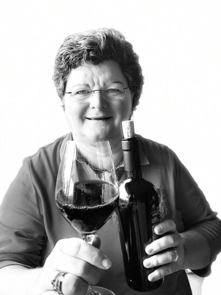 Ingrid proeft wijn