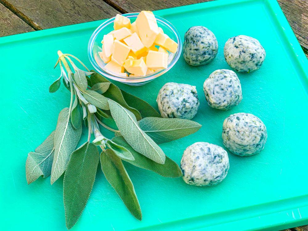 Ingrediënten gnudi met boter en salie