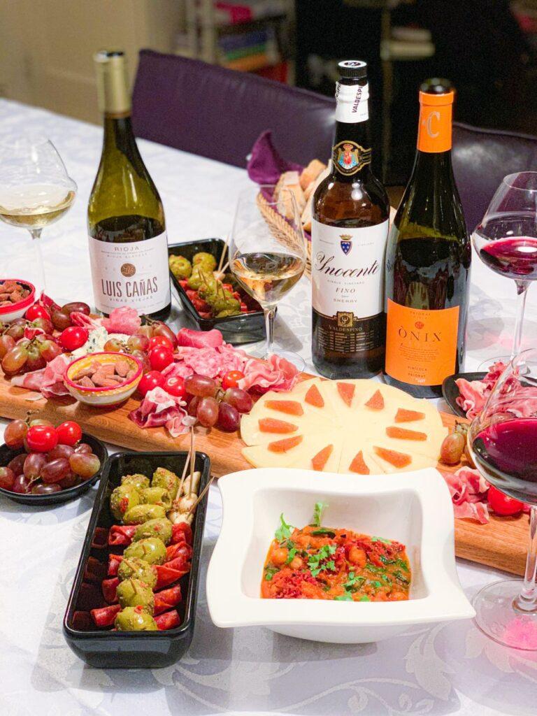 Spaanse borrelplank met Spaanse specialiteiten