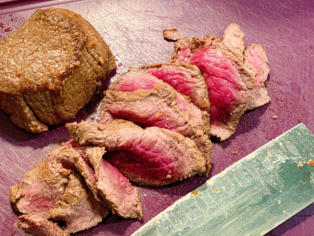 Beef tataki in dunne plakjes