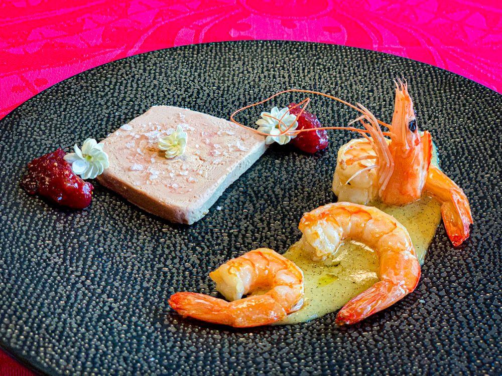 Luxe surf en turf met foie gras en gambas
