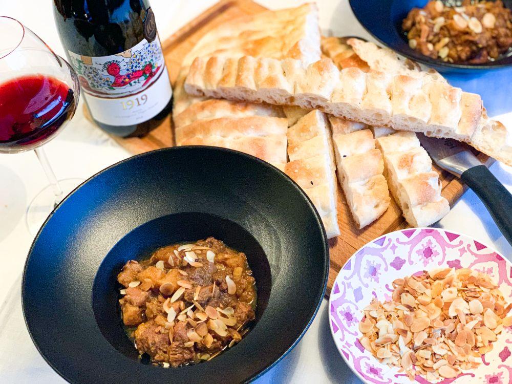 Tajine kalfsvlees en kweeperen met Turks brood