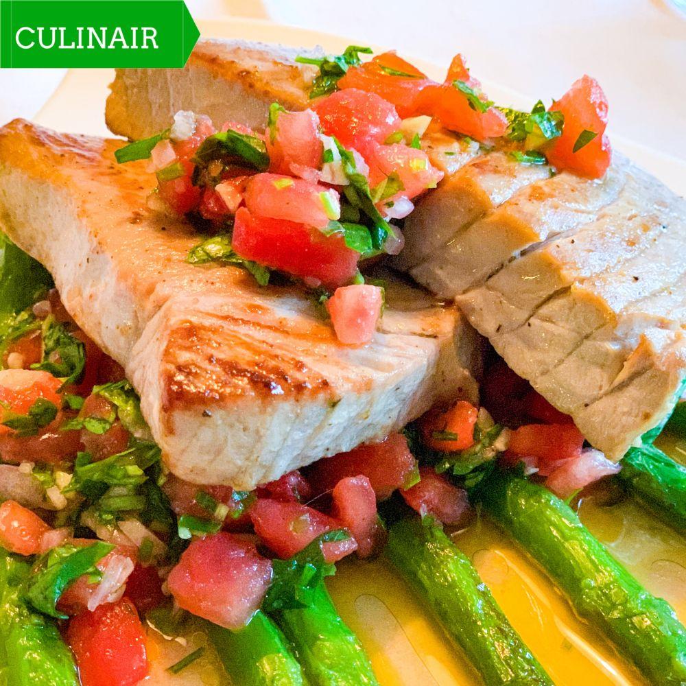 Sauce vierge bij gegrilde tonijn