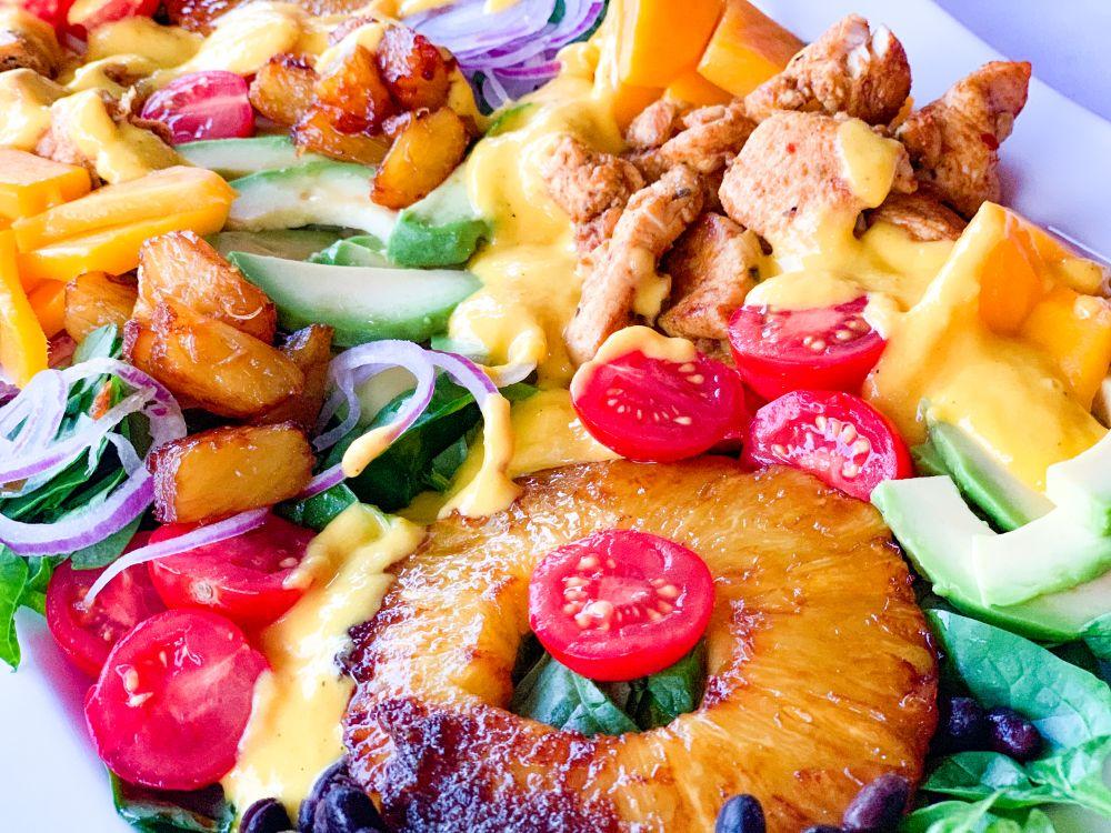 Caraïbische salade met mangodressing
